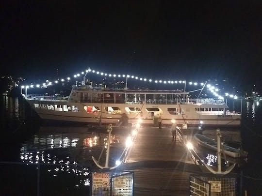 Noche de fiesta en barco en Acapulco