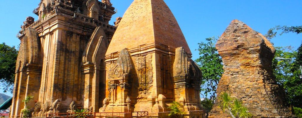 A cidade de Nha Trang e a história da excursão de meio dia de Cham