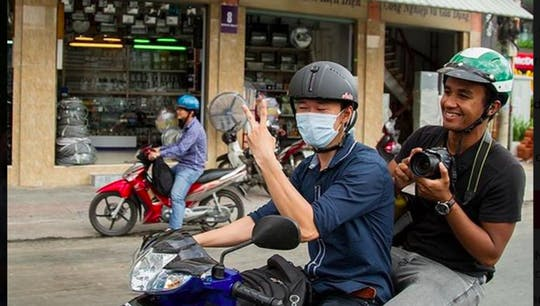 Ho Chi Minh City local street tour by motorbike
