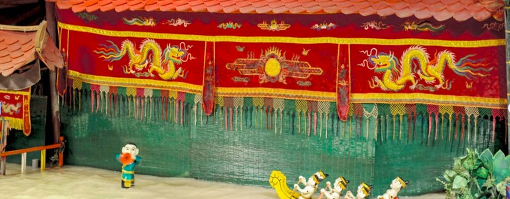 Spettacolo serale di marionette sull'acqua vietnamita con cena