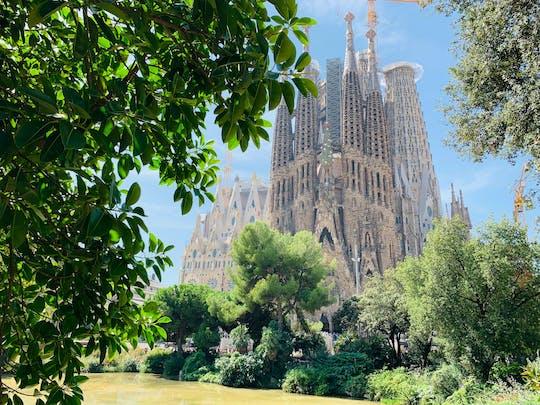 Tour e gioco di esplorazione dei capolavori di Gaudí a Barcellona