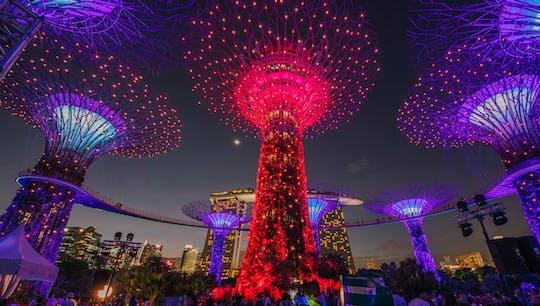 Singapore's Marina Bay by night walking tour