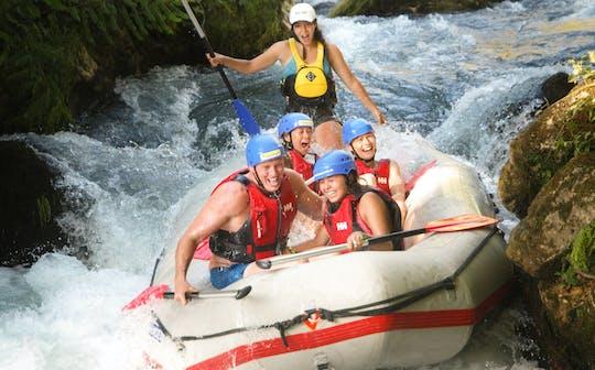 Scopri il rafting sul fiume Cetina, il cliff jumping e altro ancora