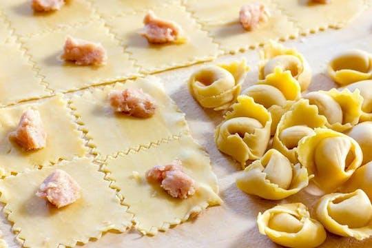 Cours de cuisine de pâtes faites maison et dégustation à Tenuta Torciano