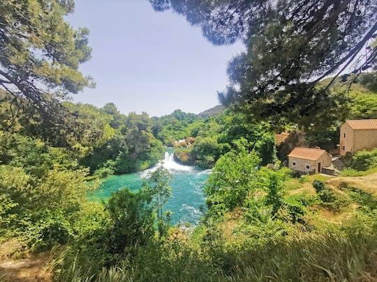 Vanuit Split: Krka watervallen tour met lunch en tickets