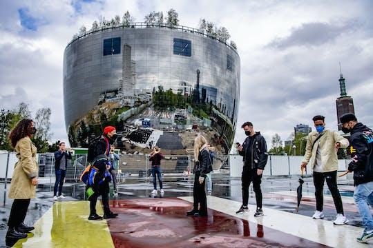 L'architettura di Rotterdam mette in evidenza il tour con il deposito
