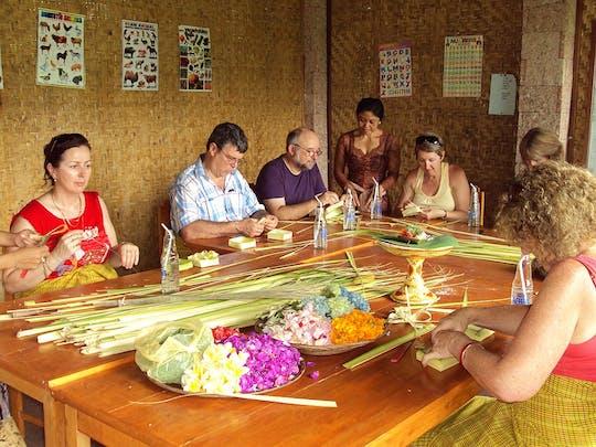 Atelier d'offrandes hindoues balinaises