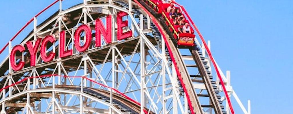 Luna Park en el pase de Coney Island Thrill Seeker
