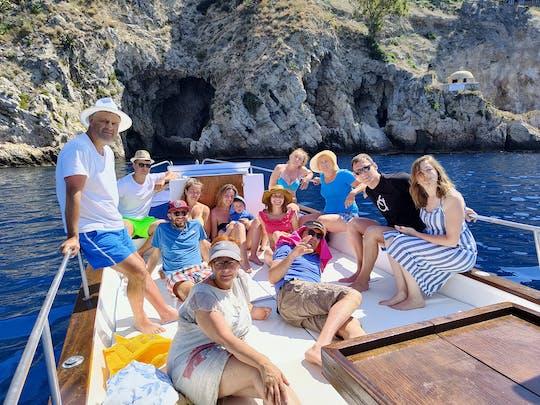 Tour mattutino in barca a Taormina