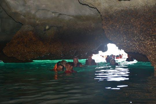 Excursão de dia inteiro nas Quatro Ilhas e Caverna Esmeralda