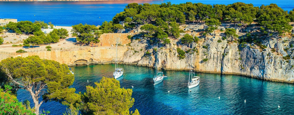 Full-day sailing excursion in the Calanques from Marseille