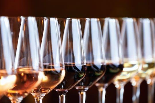 Cata de vinos eslovacos con sumiller en Bratislava