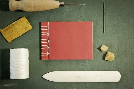 Bookbinding experience in Marseille's Cours Julien district