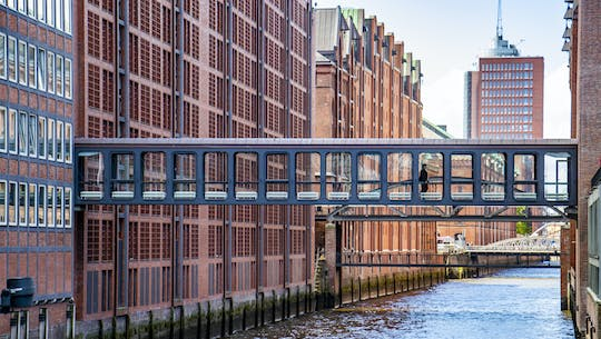 Discover Hamburg on a guided tour with a local