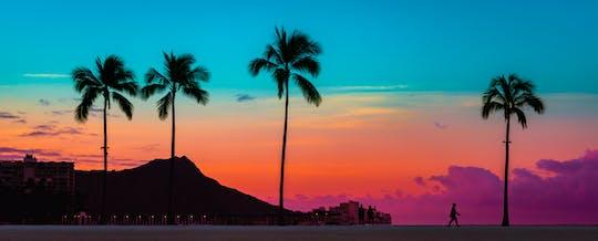 Passeio de barco com fundo de vidro ao pôr do sol em Waikiki