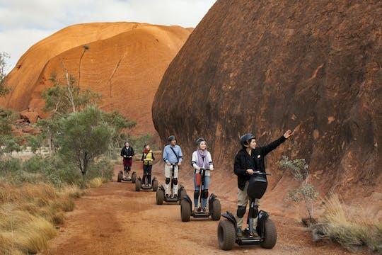 Uluru wschód słońca i samobalansująca hulajnoga
