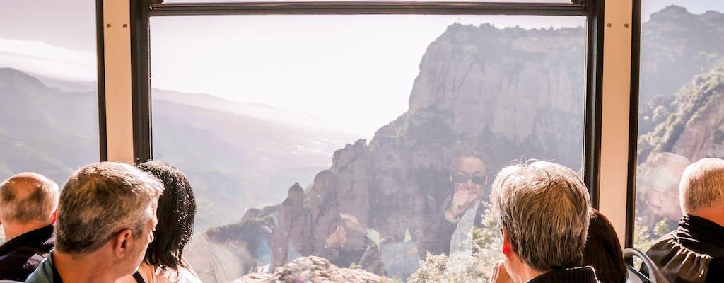 Recorrido por Montserrat desde Barcelona con vino y tren cremallera