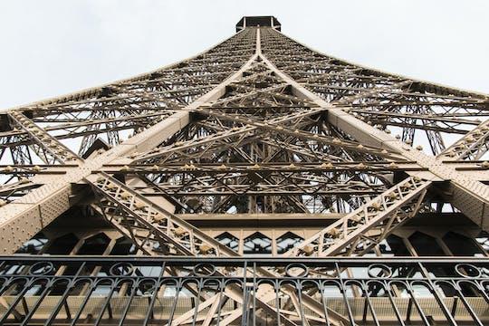 Ingressos para acesso prioritário à Torre Eiffel para o encontro com o anfitrião