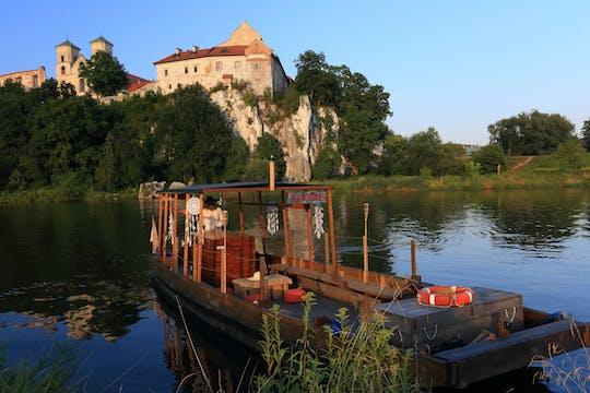 Crucero histórico en barco de madera por el río Vístula en Cracovia