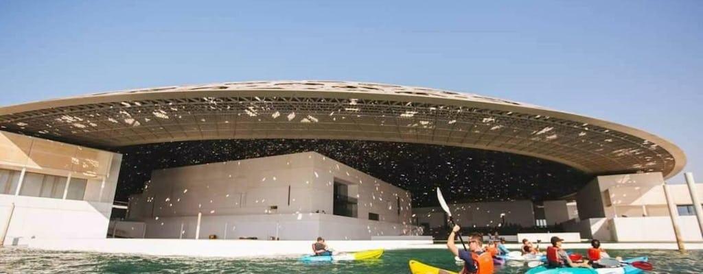 Explore o Museu do Louvre em um caiaque de Abu Dhabi