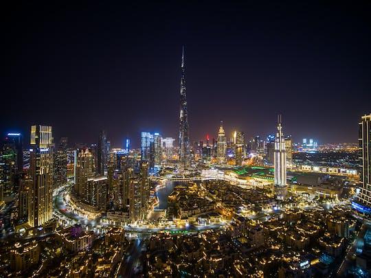 Privates Dubai bei Nacht mit Kreuzfahrt und Springbrunnen-Tour