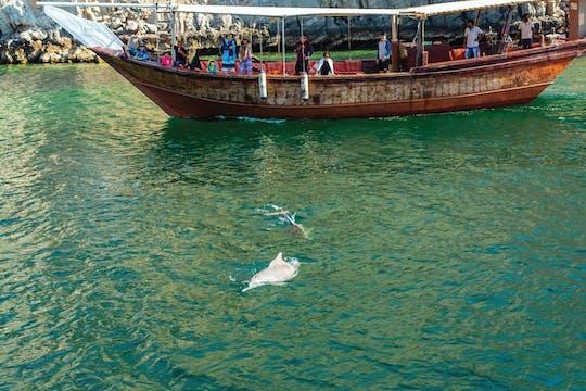 Cruzeiro de golfinhos pela manhã em Muscat