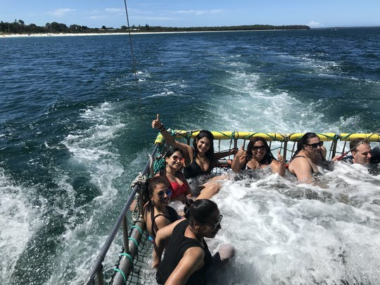 Experiencia de pesca con redes de auge de verano en Jervis Bay