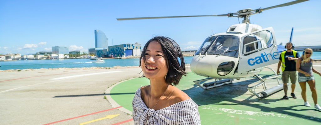 Barcelona 360º Skywalk: Walking tour, Helicopter ride and Boat ride
