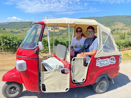 Tour de tuk-tuk em Chianti com degustação de vinhos em San Gimignano