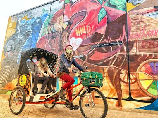 Passeio de pedicab mural em Midtown Reno