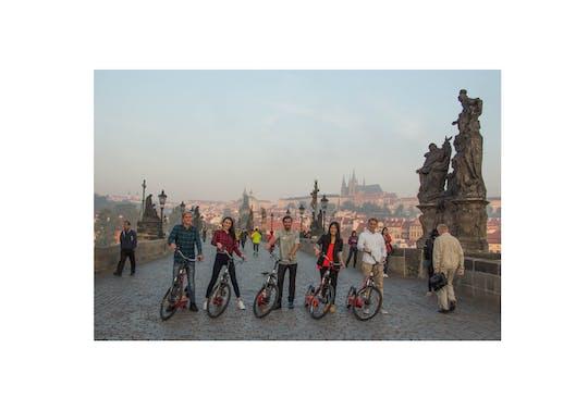 Recorrido por los miradores de e-scooter para grupos pequeños con recogida en Praga