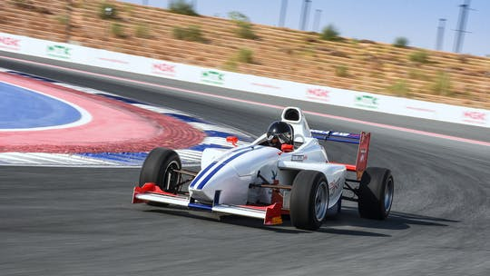 Discover the Formula DXB Max driving experience
