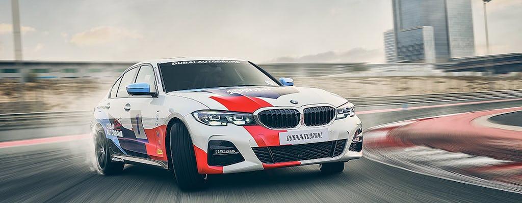 Entdecken Sie das BMW 330i M-Sport Fahrgasterlebnis
