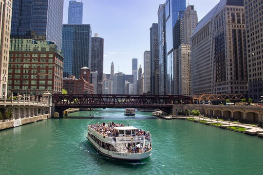 Chicago River 45-min architecture cruise