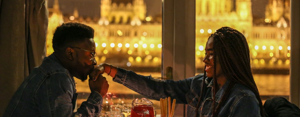 Dîner pour le Réveillon de Noël et croisière avec concert à Budapest