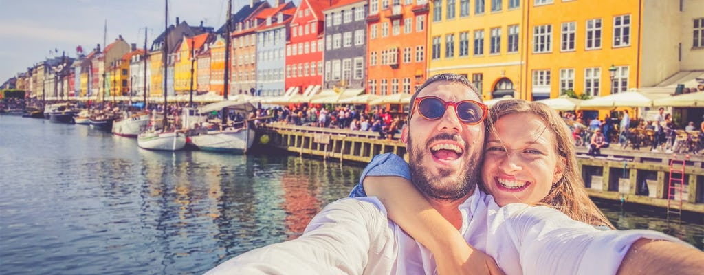 Romantic private guided walking tour of Copenhagen