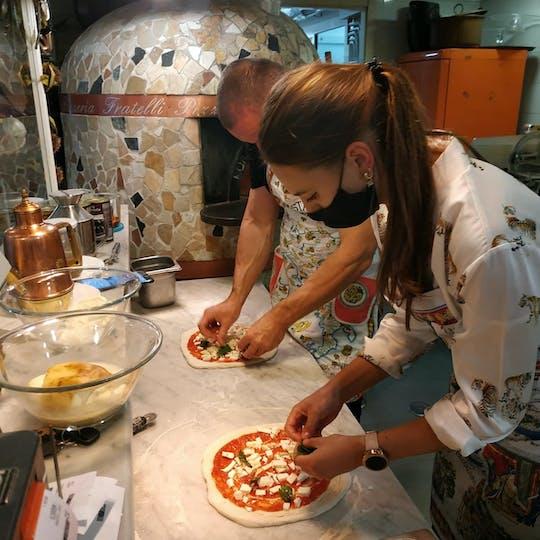 Esperienza di pizzaiolo per piccoli gruppi a Napoli