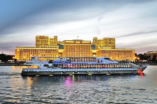 Cruzeiro no rio Moscou no Radisson Flotilla Yacht