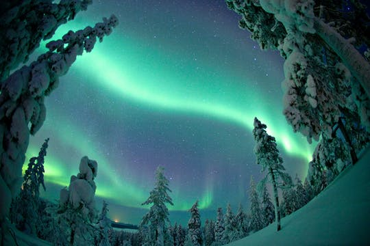 Photo hunt for the Northern lights