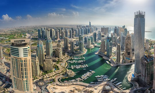 Dubai's 17-minute iconic helicopter tour
