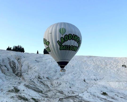 Vol en montgolfière au lever du soleil à Pamukkale et visite de Hiérapolis