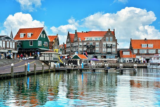 Guided walk or bike ride in Katwoude-Volendam