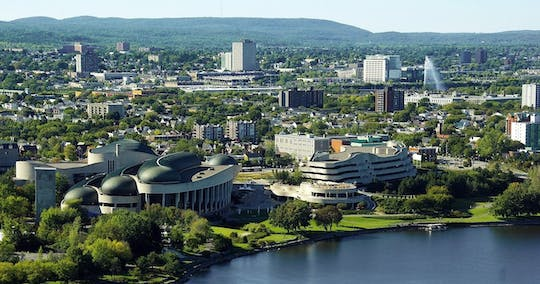 'Discover the Capitol' 1-day hop-on hop-off bus tour in Ottawa