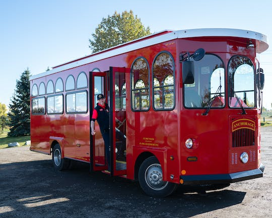 Deluxe city trolley tour in Anchorage