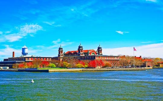 Statua di Ellis Island e tour di un giorno a due piani