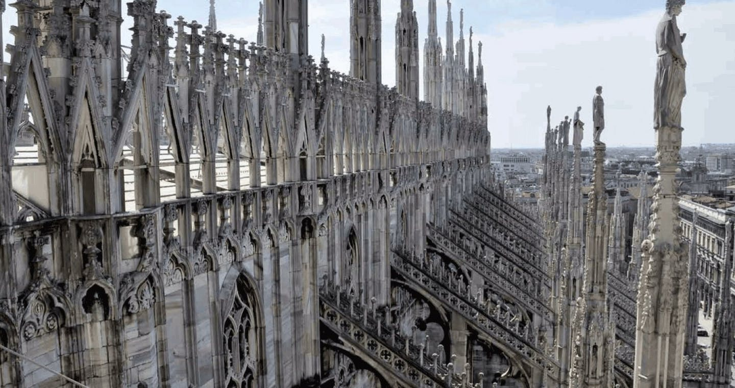 Duomo Cathedral + Rooftop: Skip the Line Tour for Small Group