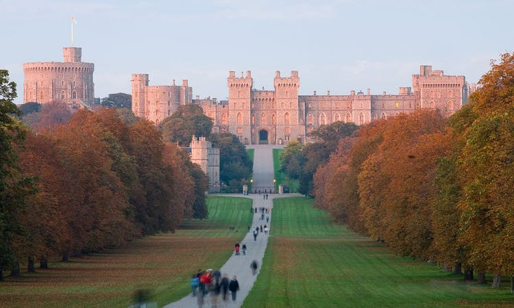 Stonehenge, Oxford, & Windsor Castle Guided Tour with Tickets