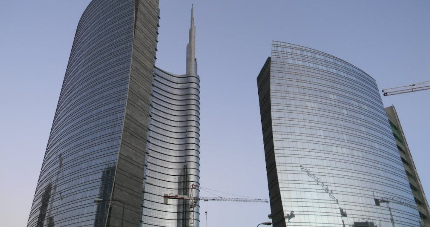 Tour of the New Architecture in Milan: Skyscrapers, Urban Developments and Design