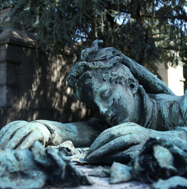 Italy, Milan. Gravestone at Cimitero Monumentale_Fotolia.jpg