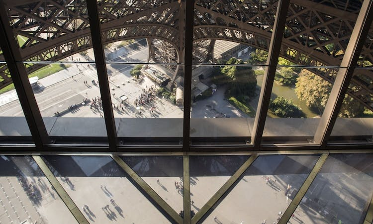 Paris: Express Eiffel Tower Tour with 2nd floor Observation Deck Access and Seine River Cruise-4